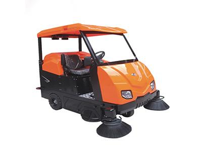 大型驾驶扫地机OS-V6