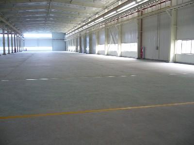 金刚砂耐磨地坪加混凝土密封固化剂是绝配!