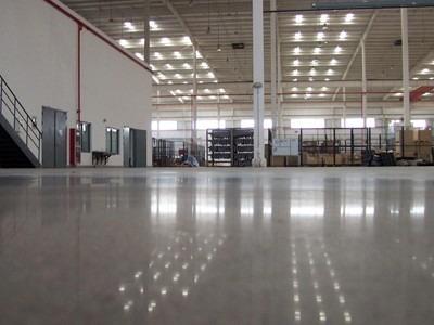 昆明装甲地坪来告诉你什么是固化地坪,固化地坪是如何施工