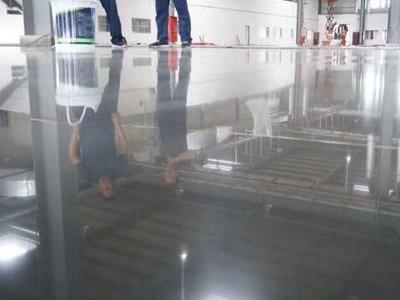 固化地坪光泽亮度持久会打滑吗?