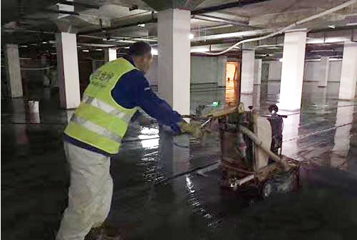 华润置地20万方装甲地坪施工地面起灰处理