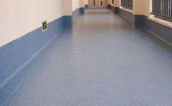 医疗康养:PVC同质透心卷材地板