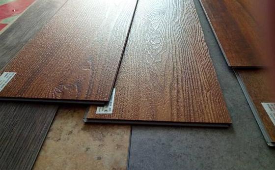 商业装饰性:LVT锁扣地板