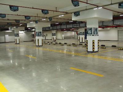 停车场做环氧地坪好还是固化剂地坪好?