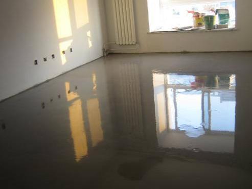 自流平水泥多少钱一平米?自流平水泥有哪些特点?