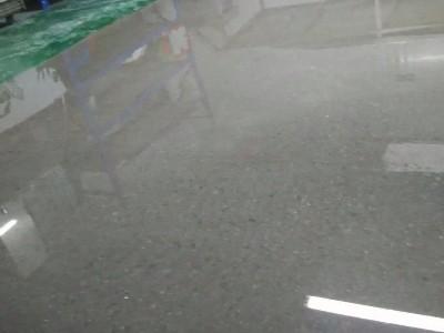 昆明装甲地坪老技术师傅告诉你:20个做好混凝土密封固化剂地坪的秘密