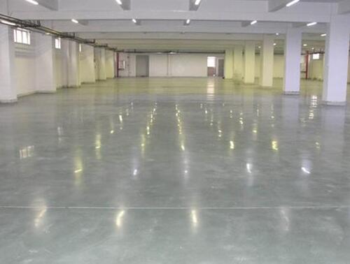 云南金刚砂耐磨地坪粉化的原因和解决方法